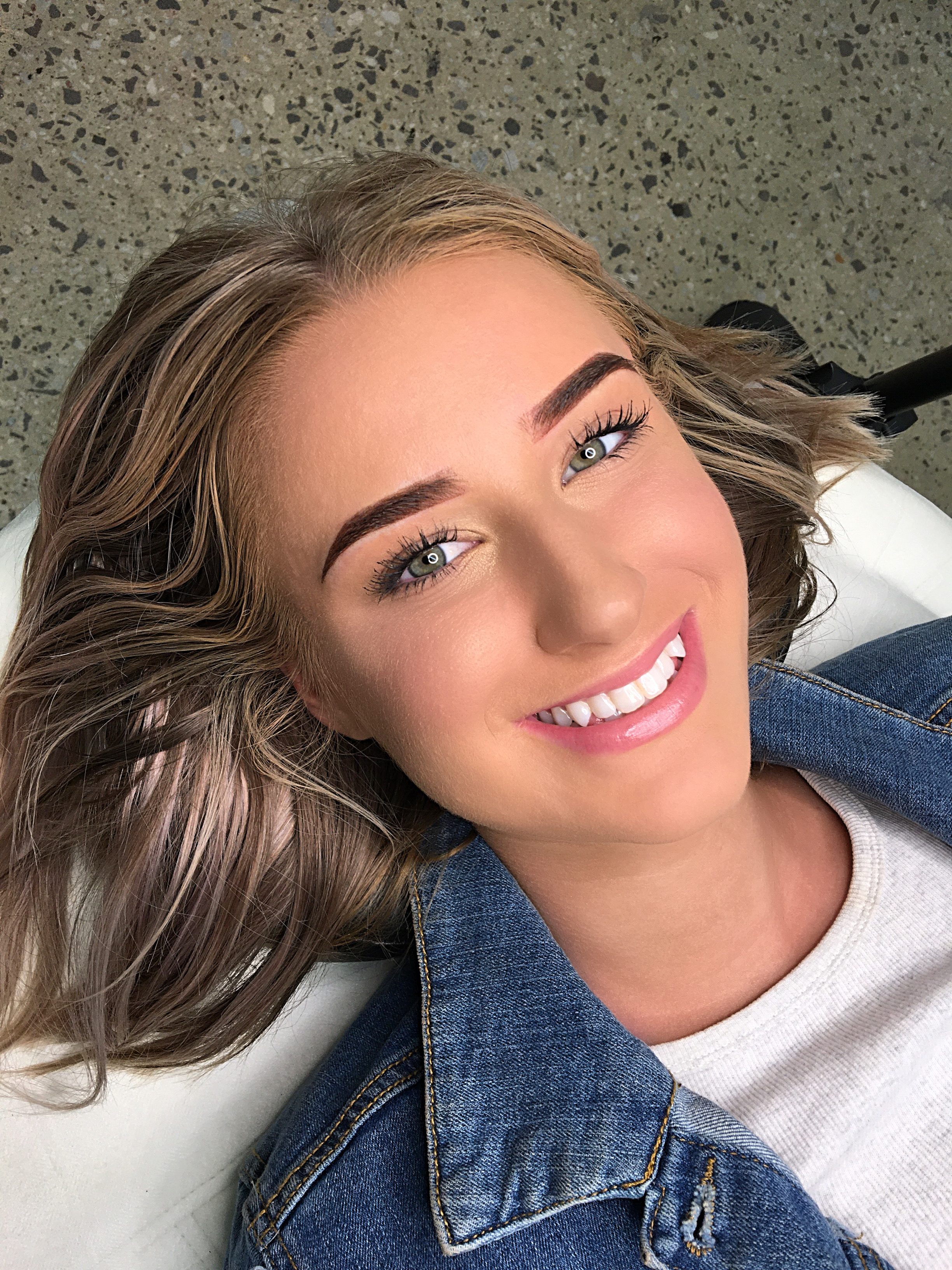 Ombrèbrows-powder-brows-eyebrow-tattoo-microblading-featherbrows